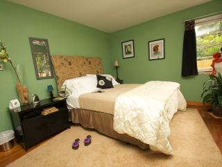 Peace Pointe Guest House & Retreat - Oxford vacation rentals