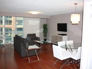 CN Tower/Rogers Centre 2 Bedroom - Toronto vacation rentals