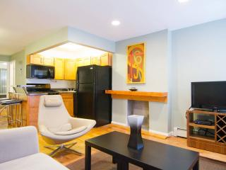 Cozy 2 Bedroom 20 Min from City - Brooklyn vacation rentals