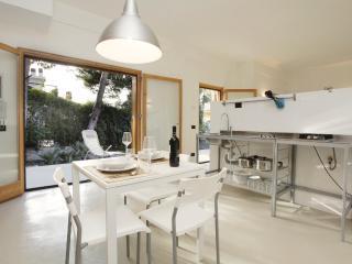 Cozy Villa with Internet Access and Satellite Or Cable TV - Altavilla Milicia vacation rentals