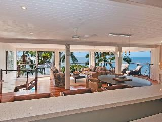 Beachfront with magic views over the Coral Sea - Port Douglas vacation rentals