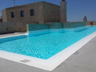 360 degrees view of Athens and luxury rooftop pool - Athens vacation rentals