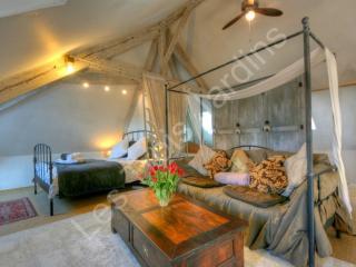 The Picasso Studio at Les Trois Jardins - Dordogne Region vacation rentals