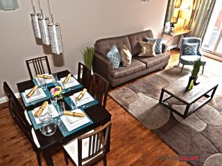 LUXURY LOFT, ENT. DISTRICT- 2 floors, 2bdr + 2bath - Toronto vacation rentals