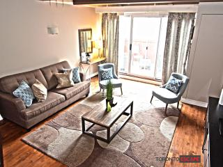 Luxurious 2 Floor Loft - Fashion Dist - King St. W - Toronto vacation rentals