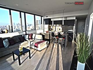 Heart of Entertainment District - Luxury living - Toronto vacation rentals