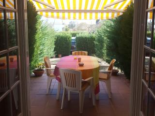 Quiet house and faminiar 1Km from the beach - Torroella de Montgri vacation rentals