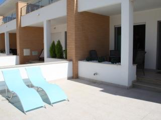 Tastefully furnished Townhouse 2 bed 2 bath - Branqueira vacation rentals