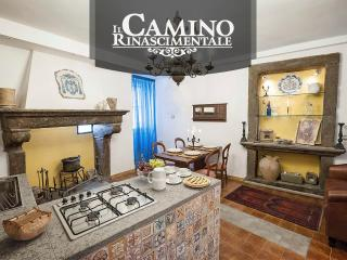 Romantic 1 bedroom Townhouse in Bagnaia - Bagnaia vacation rentals