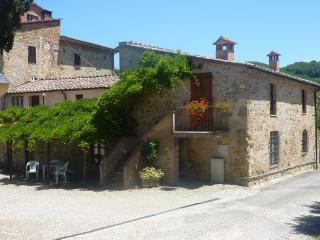 Agriturismo Bellavista 2+2 - Radicondoli vacation rentals