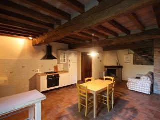 Vecchio Borgo Agriturismo Appartamento Nord - Castellarano vacation rentals