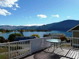 Beautiful Lakeview Home with Pool & Hot-tub downtown Manson - Manson vacation rentals