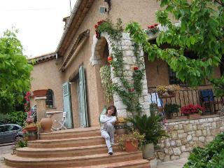 Grand 2 pièces dans maison familiale, Vue Mer - Cagnes-sur-Mer vacation rentals