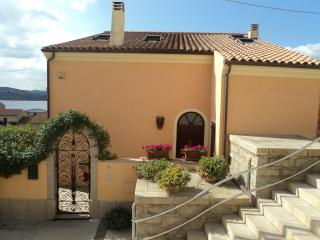 Casa indipendente a La Maddalena, Sardegna - La Maddalena vacation rentals