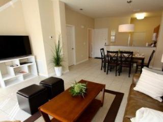 3 Bed 2.5 Bath Townhouse in Encantada Resort With Private Pool. 3052SLD - Orlando vacation rentals