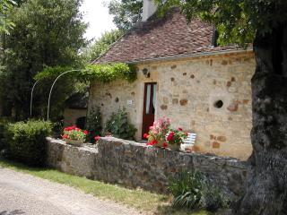 Cozy 2 bedroom Loupiac Gite with Internet Access - Loupiac vacation rentals