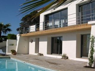 Rico 134635 luxurious villa with stunning sea view, heated pool, airconditioning - Les Issambres vacation rentals