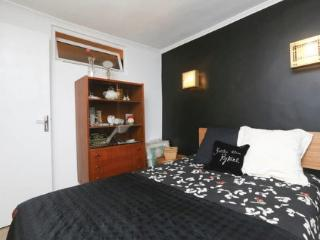 1BedRoom – 15 min From Center - Bright & Renovated - Paris vacation rentals