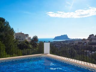 VILLA NEBUA: seaviews, private pool, 6-8 occupants - Moraira vacation rentals