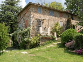 Nice Farmhouse Barn with Deck and Internet Access - Camaiore vacation rentals