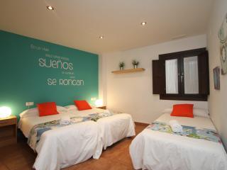 Comfortable Granada vacation Apartment with Internet Access - Granada vacation rentals