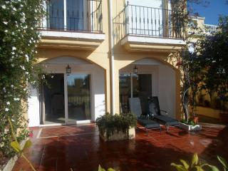 3 bed Townhouse with shared pool and roof terrace - Estepona vacation rentals