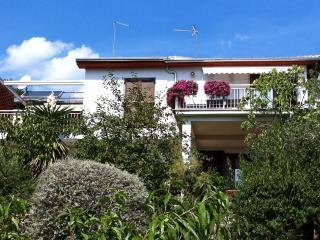 Comfortable 1 bedroom Apartment in Ika - Ika vacation rentals