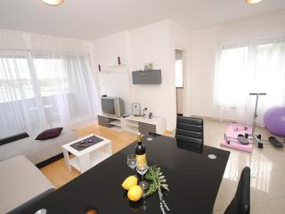 Purple River stylish apartment in Split suburb - Podstrana vacation rentals
