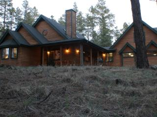 Beautiful Cabin with Central Heating and Balcony in Flagstaff - Flagstaff vacation rentals