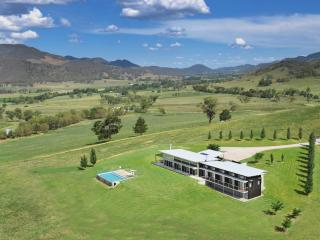 Perfect 4 bedroom House in Mudgee - Mudgee vacation rentals