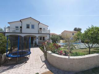 Vila in Kavran - Kavran vacation rentals