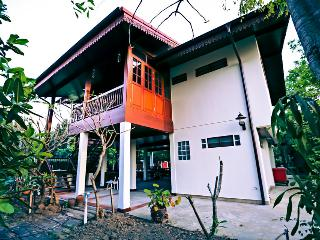 Private Thai Style Canal & Garden Villa - Bangkok vacation rentals