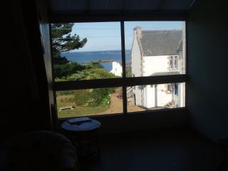 2-bedroom duplex flat in Trebeurden, sea view - Trébeurden vacation rentals
