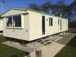 Beautiful caravan situated  in the Lake District - Flookburgh vacation rentals