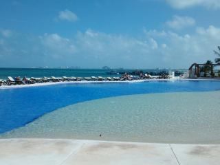Beautiful condo on the beach at Amara Cancun - Cancun vacation rentals