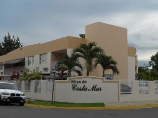 Beachfront Vacation Rental Executive Style Service - Dorado vacation rentals