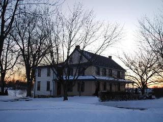 CHRISTMAS SPECIAL * $998 for 4 nights * Beautifully decorated for the holidays - Lancaster vacation rentals