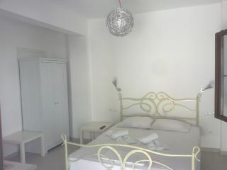 Depis place - Naxos City vacation rentals
