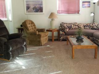 Cozy1550 sqft. home sleeps 8+ handicap friendly - Kernville vacation rentals