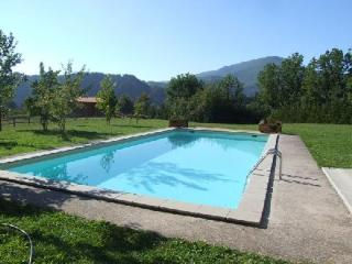 Gorgeous Cottage with Internet Access and Outdoor Dining Area - San Romano in Garfagnana vacation rentals