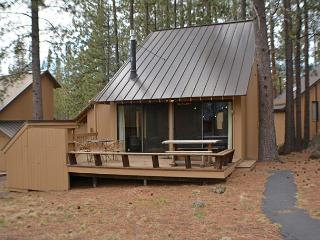 Updated Cabin, Private Deck, Flat Screen TV, Close to the Village Mall - Central Oregon vacation rentals