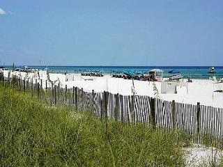 BEACHFRONT FOR 8!  GREAT VIEWS! OPEN 6/21-6/28! CALL NOW BEFORE IT'S GONE! - Panama City Beach vacation rentals