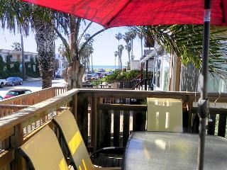 Ocean Beach Orca Cottage - ONE BLOCK TO THE BEACH - Pacific Beach vacation rentals