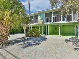 Steps to beach with heated pool - Siesta Key vacation rentals