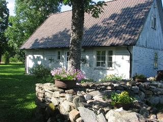Nice 2 bedroom Guest house in Valjala with A/C - Valjala vacation rentals