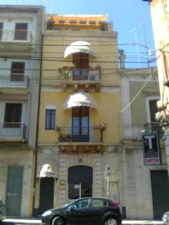 """"""" THE LION'S TOWER - Lentini vacation rentals"""