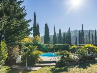 Charming old stonehouse with pool, Fayence. 6pers. - Bargemon vacation rentals