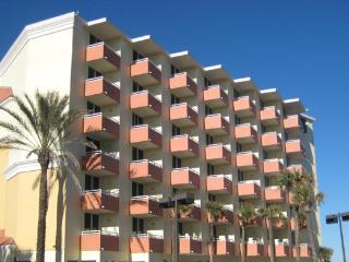 The Cove on Ormond Beach - Studio (W/ Murphy Bed) - Ormond Beach vacation rentals