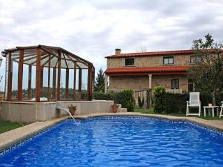 326 Countryside villa with pool and jacuzzi - Pontevedra vacation rentals