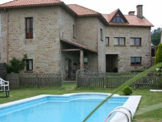 312 Lovely country villa with shared pool - A Estrada vacation rentals